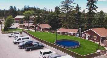 Pali parking lot and cabins